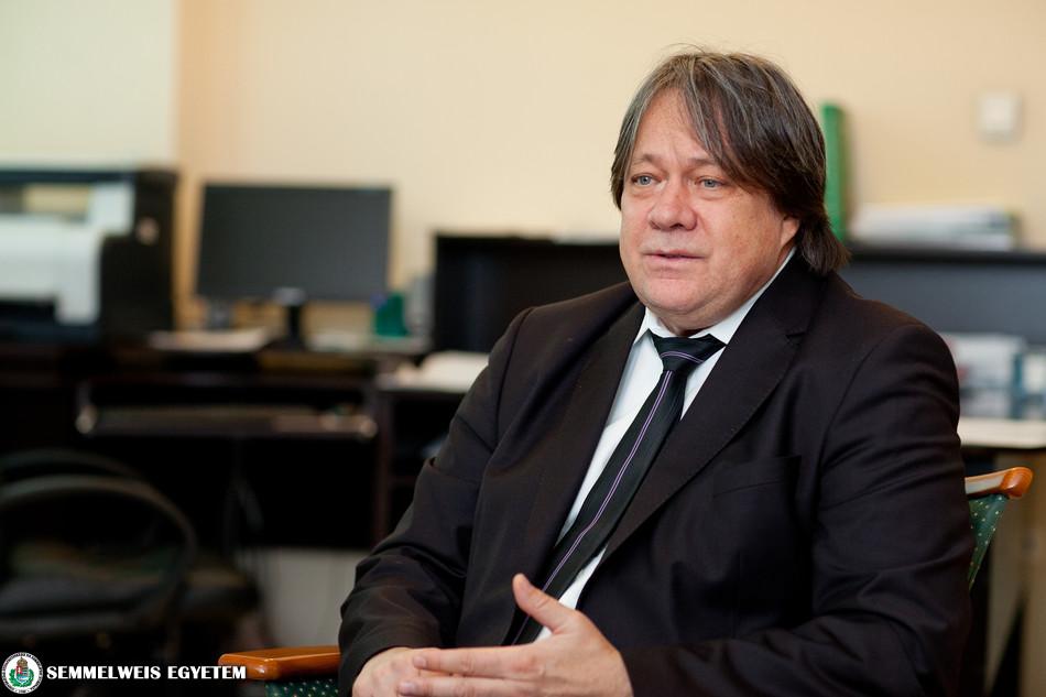 Dr Csek Károly