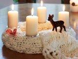 Adventi koszorú házilag: 8 különleges adventi asztaldísz kötött anyagból