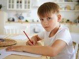 Baj, ha csúnyán ír a gyerek? Miről árulkodik a gyerek írása? Mit gondol a grafológus a diszgráfiáról?