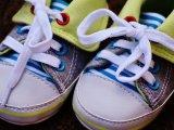 Cipőkötés egyszerűen - Így tanítsd meg a gyereket cipőt kötni! Cipőkötés mondókák, cipőkötési trükkök, technikák, fotókkal