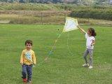 Papírsárkány házilag - így készíts papírsárkányt a gyereknek! Lépésről lépésre fázisfotókkal, leírással