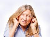 Fülcsengés, fülzúgás, kattogás a fülben: mi mindentől lehet fülcsengésed? - 5 meglepő ok, amire nem is gondolsz