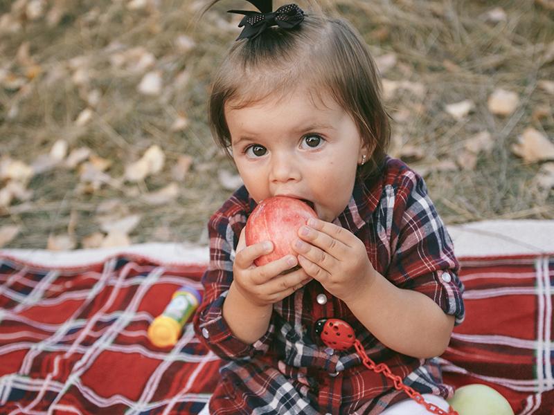 Mit tegyünk, ha a baba, kisgyermek lenyelt egy tárgyat, vagy félrenyelt? - Gyermeksebész válaszol