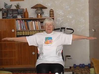 10 perces otthoni torna idősebbeknek - ülve is végezhető gyakorlatokkal