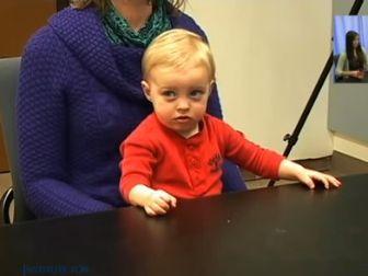 Így reagálnak a kisgyerekek az agresszív felnőttekre – videó mutatja be a babák őszinte reakcióját