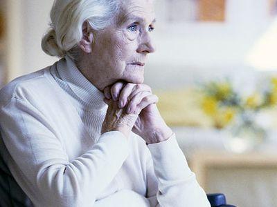 Várnai Zseni: Öreg nő sóhajt (vers)