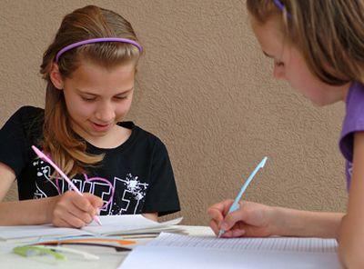 UO Toll - Új magyar találmány - írásfejlesztő toll gyerekeknek (Interjú a tervezővel)