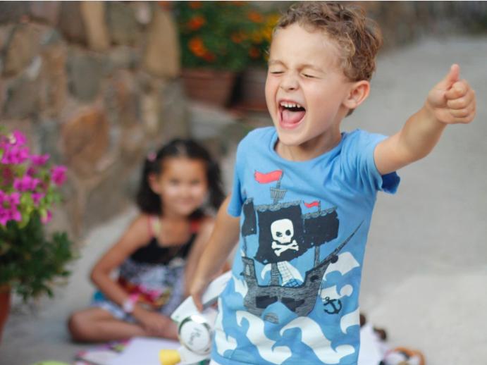 Ügyességi játékok gyerekeknek kerti partikra - Fotókkal