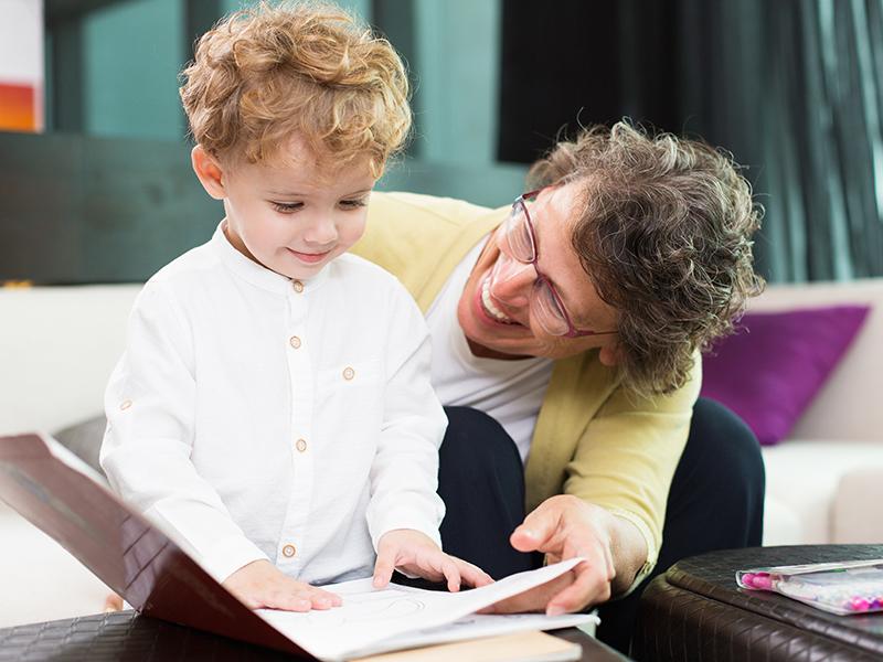 5 dolog, amit feltétlenül taníts meg az unokádnak az életről