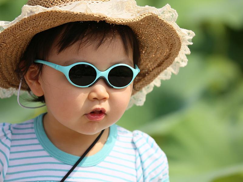 Napszemüveg: jó vagy ártalmas a gyereknek? A szemész válaszol