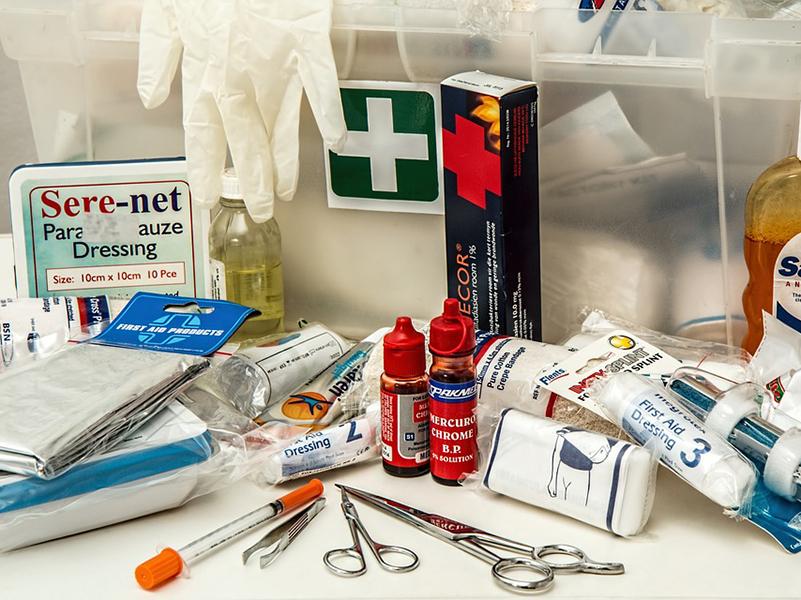 Vészhelyzet-kisokos: Agyrázkódás, forrázás, magas láz, újraélesztés… Életeket menthet, ha ezeket tudod!