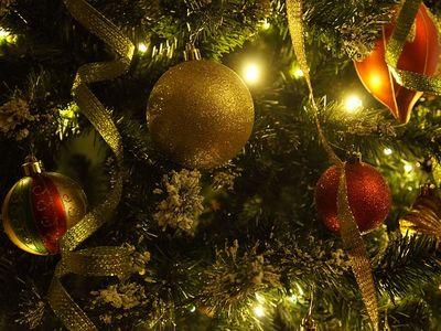 Pénzt a karácsonyfa alá? Ez meg milyen ötlet?