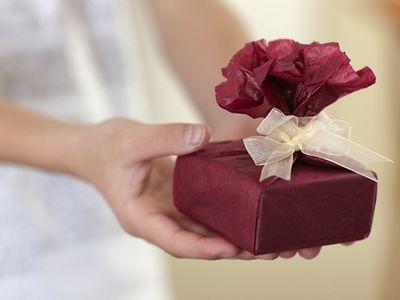 Milyen az igazán jó ajándék? Milyen ajándéknak örülnek a gyerekek? Hogyan válaszd ki a tökéletes ajándékot?