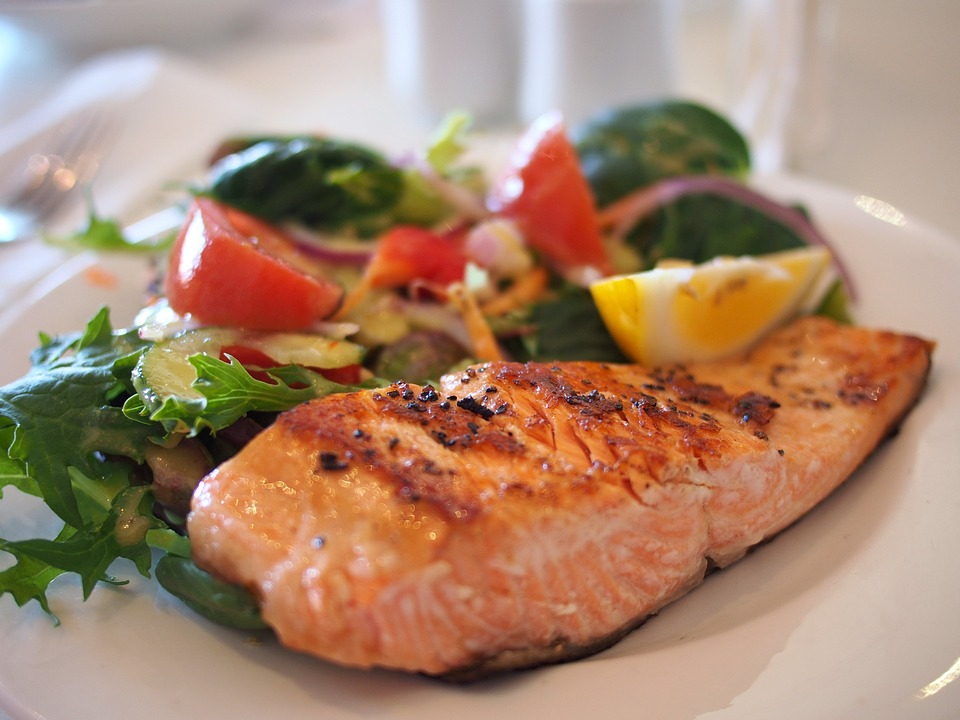 Fejfájás, gyulladások, ízületi fájdalom, rossz közérzet ellen: ezeket az ételeket fogyaszd, hogy enyhüljenek a panaszok! Dietetikus tanácsai