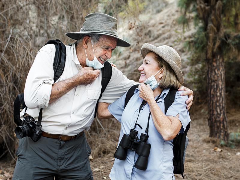 Egyre boldogabbak az emberek, ahogy közelednek a 70. születésnapjukhoz - Kutatási eredmény