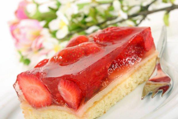 Vaníliakrémes epres gyümölcstorta recept - Így készítik a profi cukrászok!