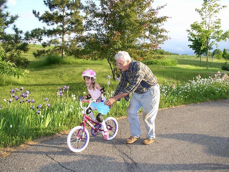 Ezért jó, ha rendszeresen találkozol az unokáddal - Hogyan hatnak az unokák a nagyszülők egészségére?