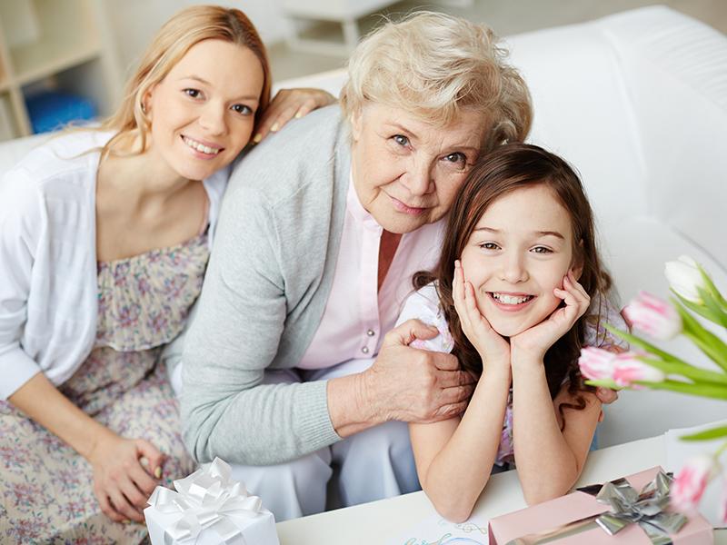 Így lehet igazán mély a kapcsolatod az unokákkal és a felnőtt gyerekeiddel is! 4 szuper tipp a hétköznapokra