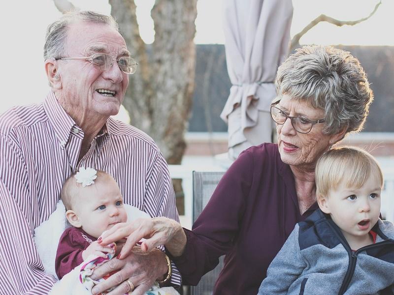 Tudtad, hogy van nagyszülők világnapja? Szeptember első vasárnapján ünnepeljük a nagyikat és a nagypapákat!
