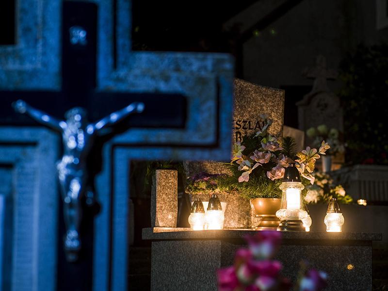 Mindenszentek és halottak napjára: 3 gyönyörű vers azok emlékére, akik már nem lehetnek velünk