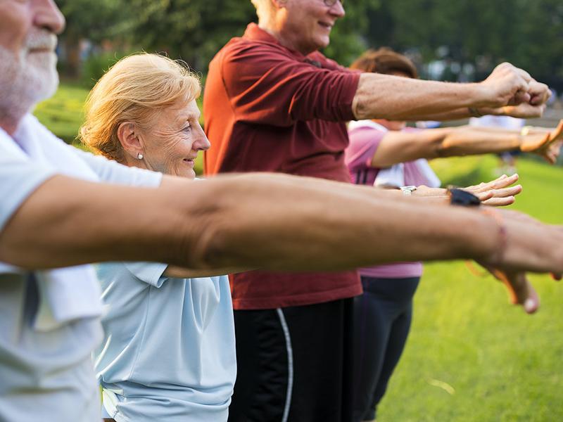 10 perces könnyű torna hátfájásra - Ezekkel a gyakorlatokkal még a hátfájás okát is megszünteted