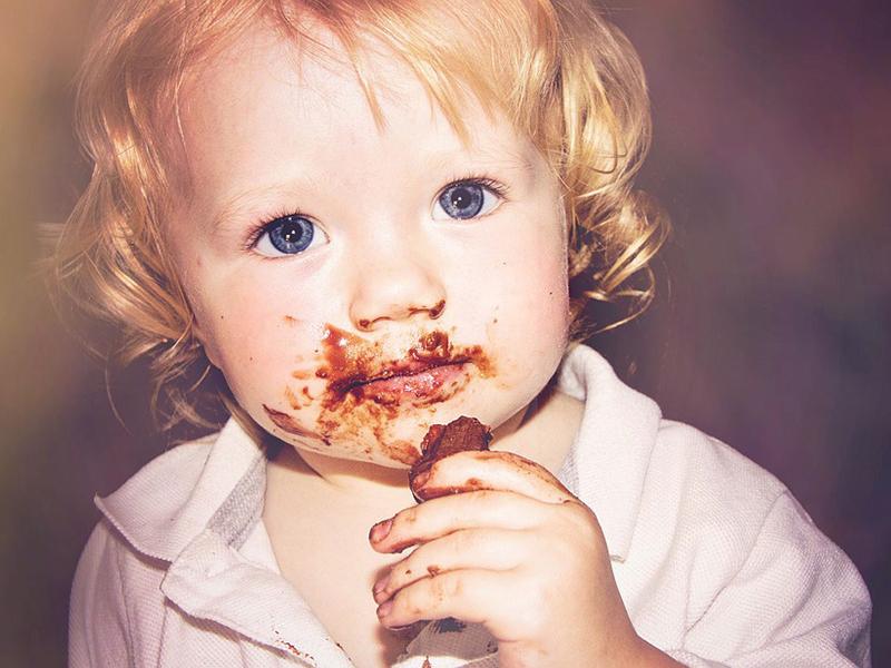 Étcsoki, tejcsoki, fehércsoki, nugát - Melyik a legjobb a gyereknek? Dietetikus válaszol