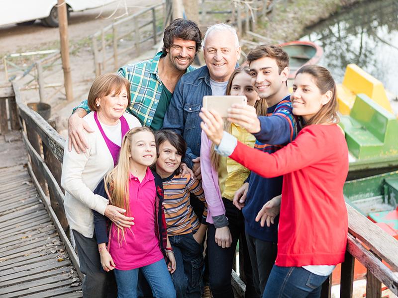 Ilyenek a modern nagymamák és nagypapák! - Miben mások a mai nagyszülők az előző nagyszülő-generációknál? Miben hasonlítanak?