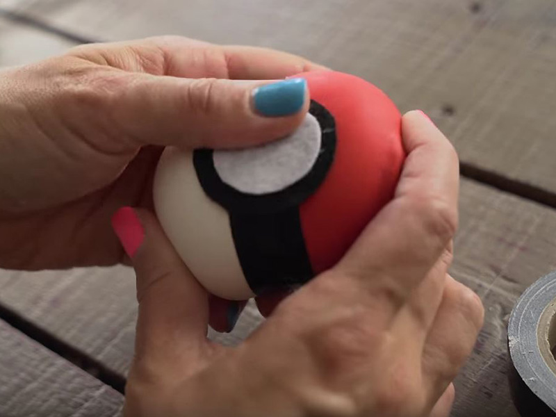 Szorongó, túlmozgásos a gyerek? Ezt add a kezébe! - Így készül a pattogós Pokémon stresszlabda házilag