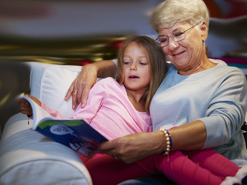 Rajzfilmek helyett több mese kell a gyereknek! Ezért mesélj minél gyakrabban a gyermekednek, unokádnak - Pszichológus tanácsai
