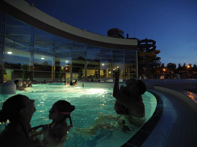 Strandok éjszakája 2017: 40 strand és gyógyfürdő, ami éjjel is nyitva lesz július 28-án! - Helyszínek, kedvezmények, programok