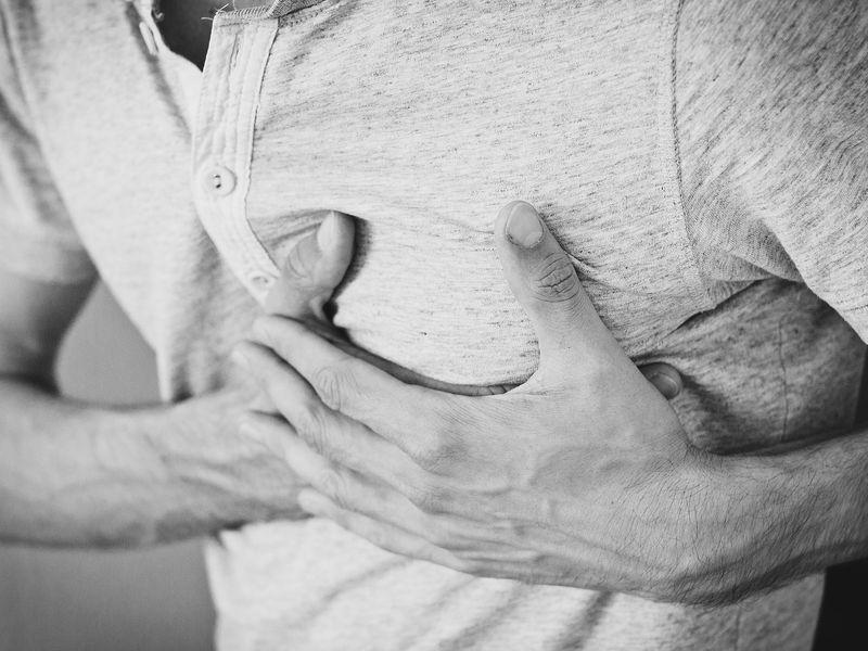 Infarktus mellkasfájdalom nélkül - Milyen jelek utalhatnak még infarktusra? Miért veszélyes, ha kezeletlen marad? Kiket érint?