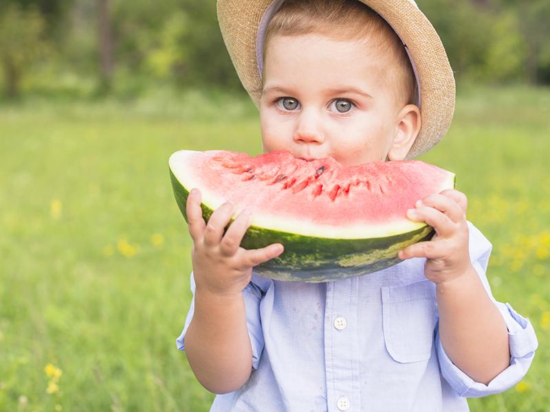 Jó hatással van a szívre, érrendszerre, javítja az emésztést és nagyon finom - Még miért érdemes dinnyét enni?