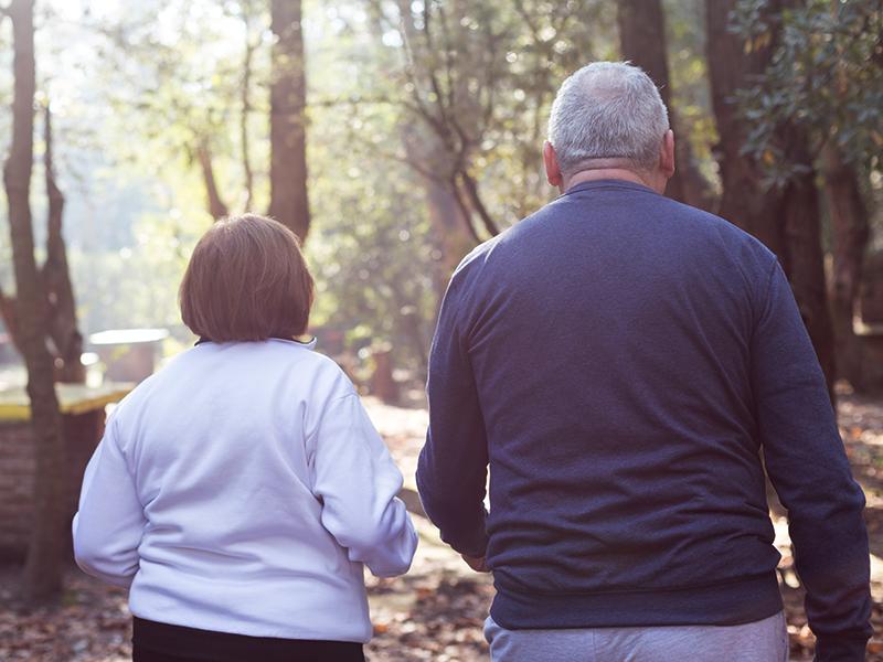 Fájnak az ízületeid, ezért nem sportolsz? Rosszul teszed! - Miért fontos a testmozgás idősebb korban is? Szakorvos tanácsai