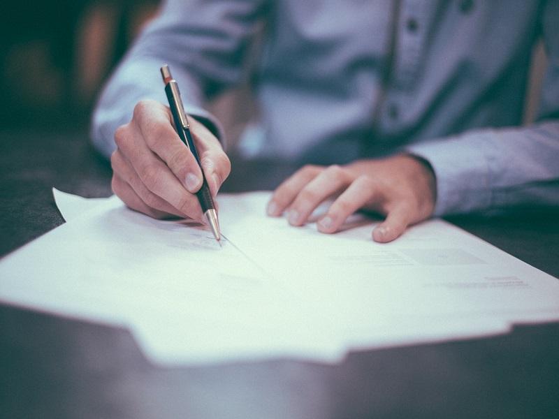 Szülőtartás jogszabály: 8 gyakori kérdés a szülőtartásról - A családjogi szakértő válaszol