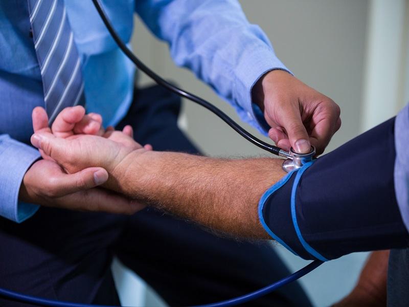 Ingyenes, mobil szűrőállomások az országban: minden településen el tudják végezni a kötelező orvosi vizsgálatokat