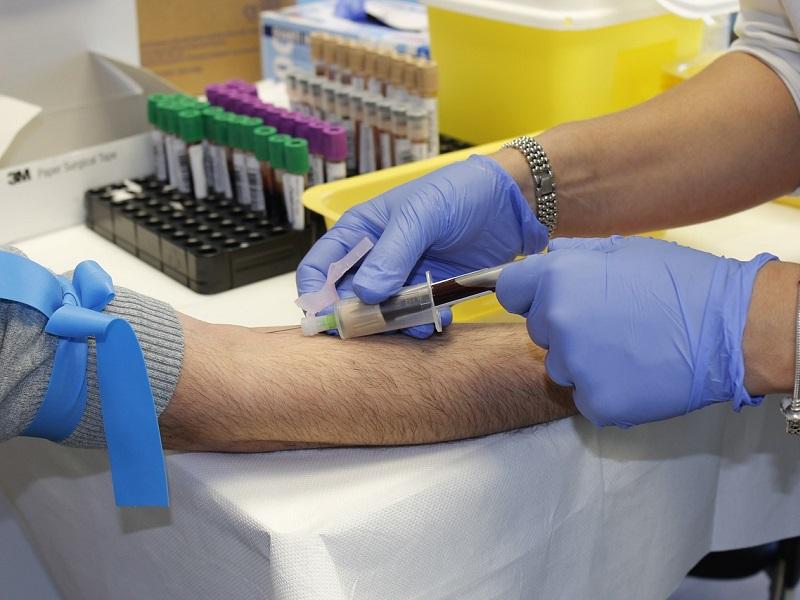 Egy egyszerű vérvizsgálattal ki tudják mutatni a leggyakoribb rákfajtákat! - Biztató eredményt hozott egy friss kutatás