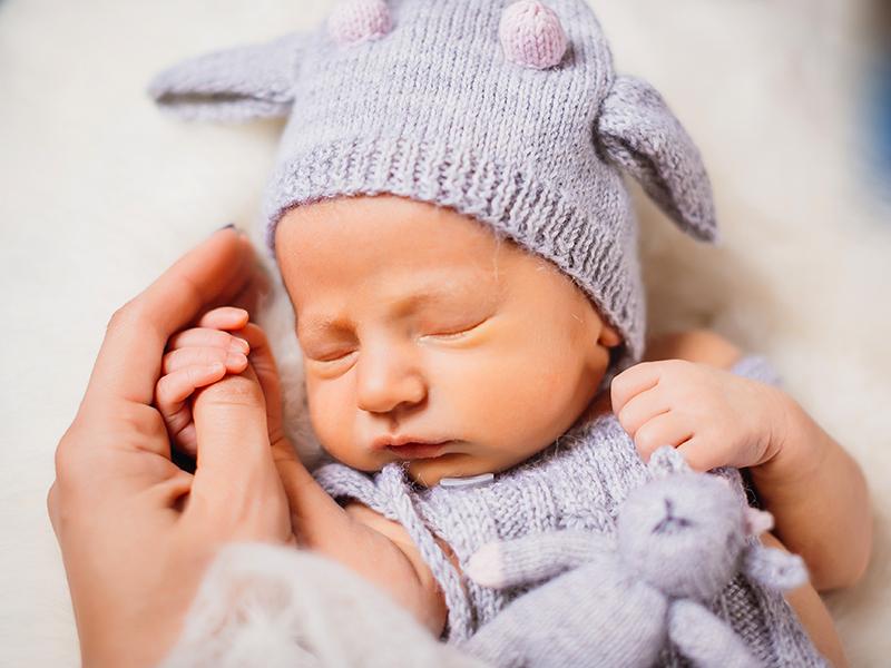 Zelenka Brigitta: Isteni ajándék - Születésnapi köszöntő vers az unokának