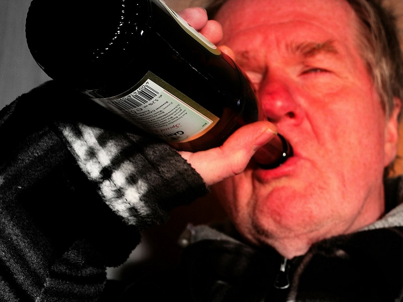 Így hat az alkoholfogyasztás az időskori elbutulásra! - Hogyan előzhető meg a demencia?