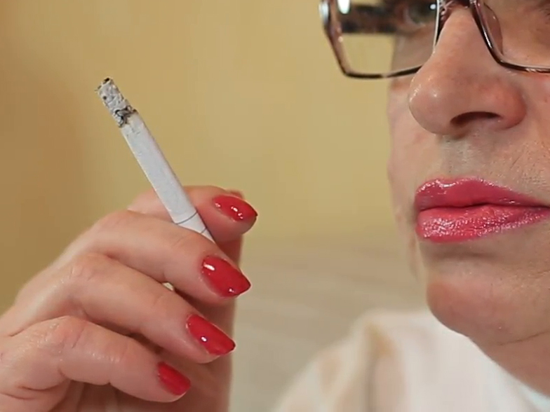 Dohányzol? Ennyivel nagyobb az esélyed arra, hogy agyvérzést kapj vagy szívbeteg legyél - A WHO felhívása