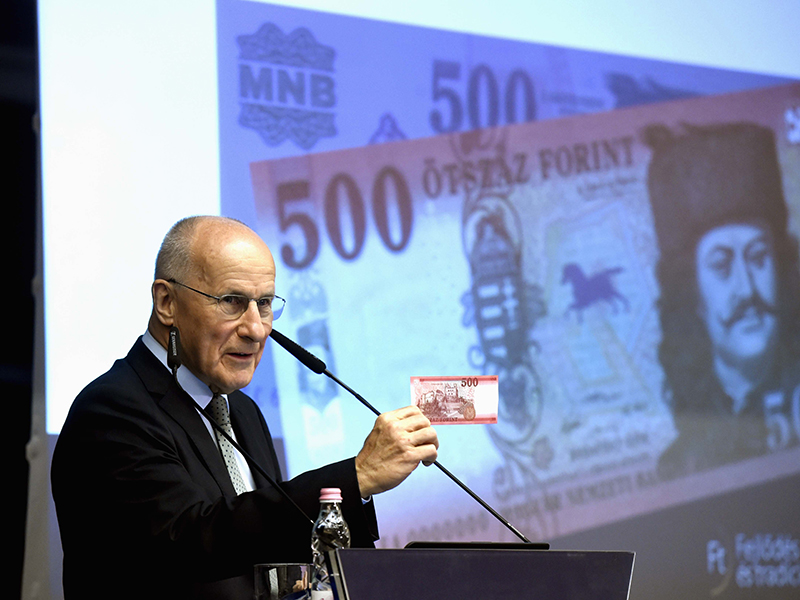 Megújul az ötszáz forintos bankjegy! - Hogyan néz ki az új ötszázas? Meddig lehet fizetni a régi ötszázassal?