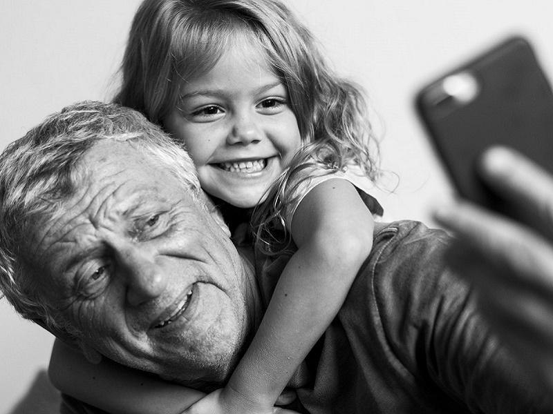Kevésbé szoronganak és kiegyensúlyozottabbak azok a gyerekek, akiknek szoros a kapcsolata a nagyszülőkkel