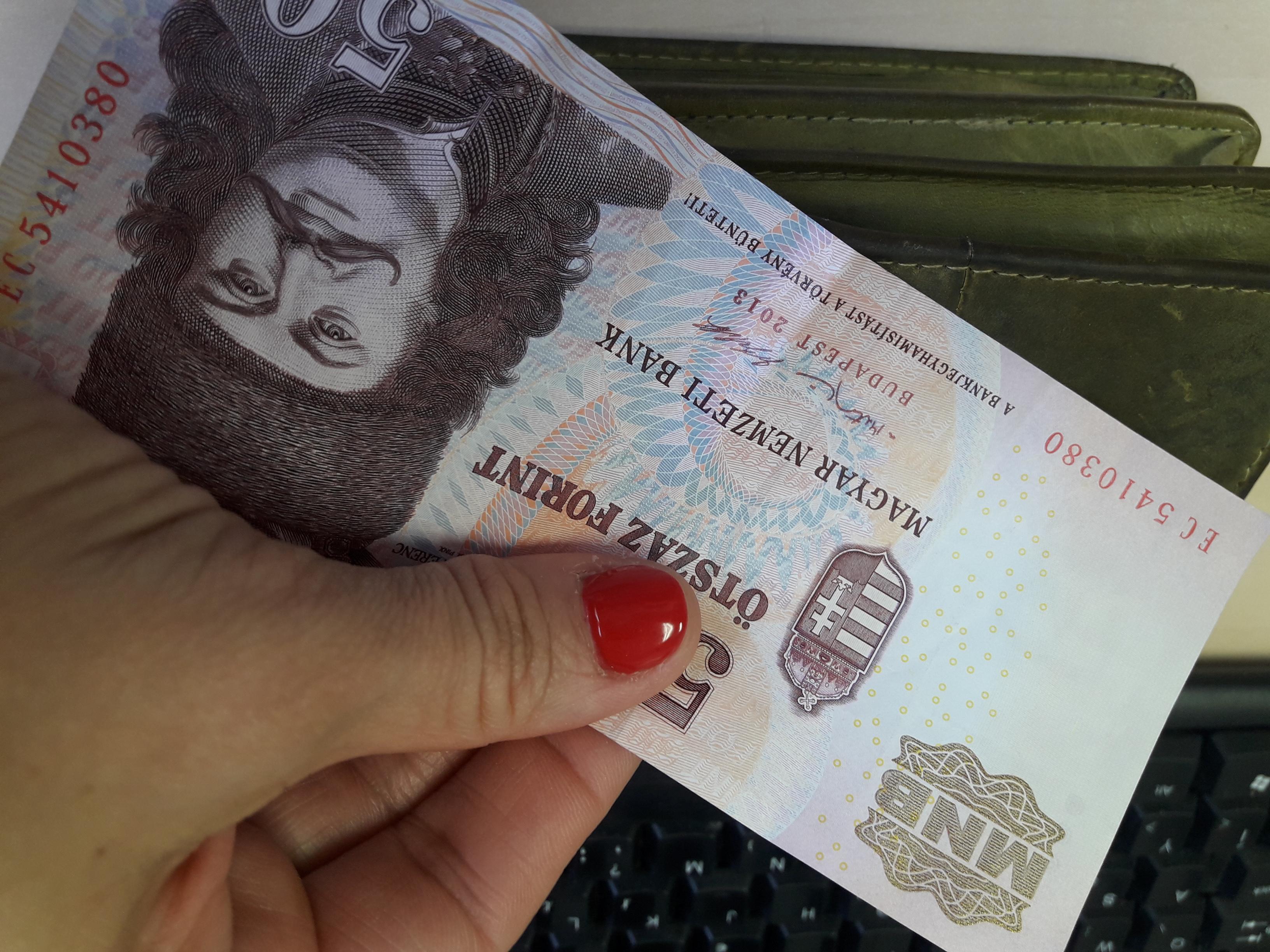 Figyelem, hamarosan már csak az új ötszázassal fizethetsz! Meddig használható még a régi 500 Ft-os bankjegy?
