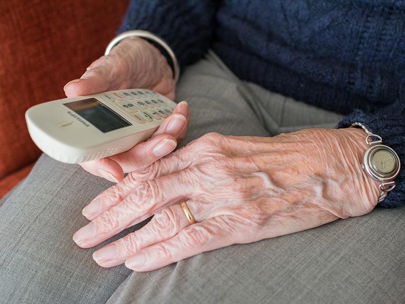 Az unokázós csalók is alkalmazkodtak a koronavírus-járványhoz - Erre figyelj, amikor ismeretlenek telefonon hívnak