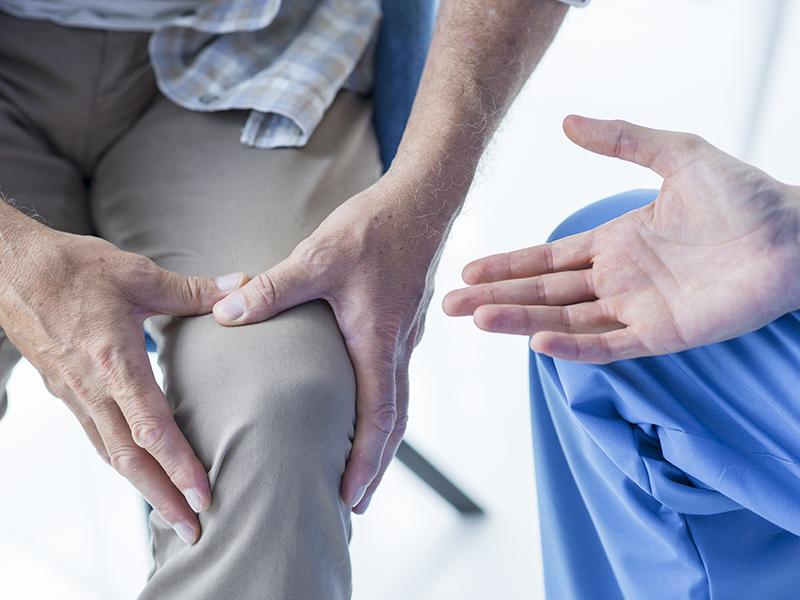 Merev, ropog a térded? Nehezen megy a mozgás? Lehet, hogy oszteoartritisz kínoz! - Tünetek, kezelés