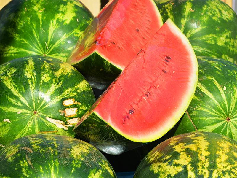 Görögdinnye vásárlása: Ezt figyeld a külsején, hogy valóban érett és finom legyen a dinnye! - Dinnye receptek, dinnye hatásai