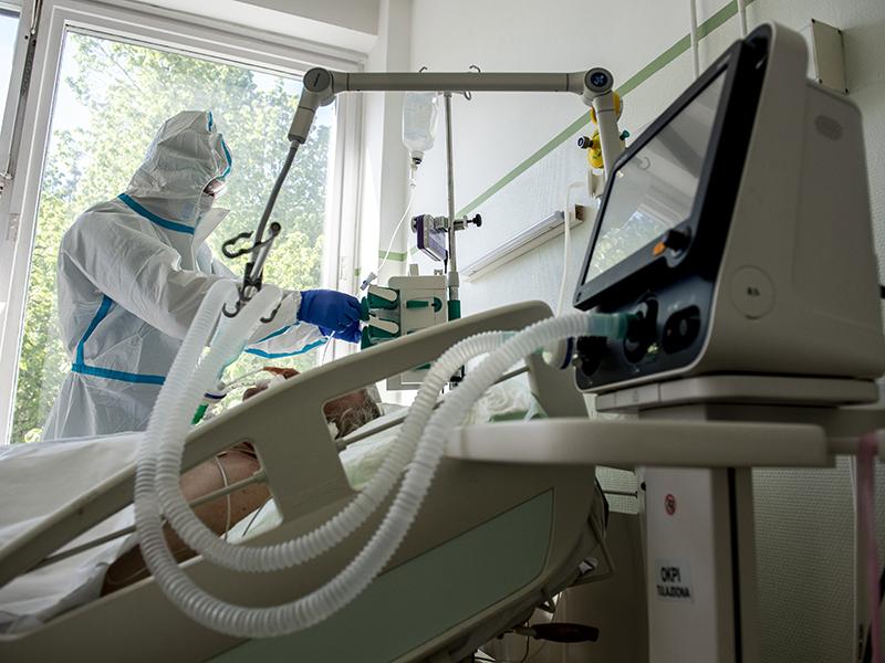 Szlávik János: A lélegeztetőgépre kötött betegek 40-45 százaléka meghal - Hogyan védekezhetsz hatékonyan a Covid ellen?