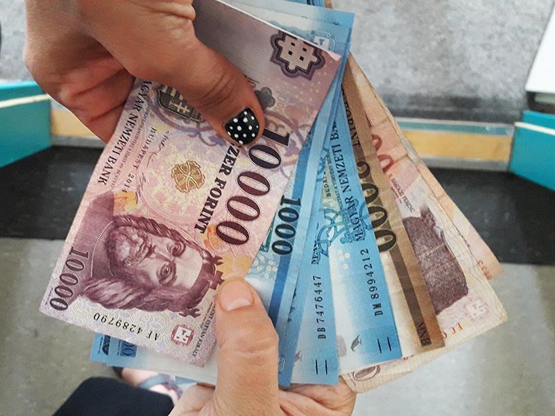 Nyugdíj utalása 2020: Decemberben előbb érkezik a nyugdíj a bankszámlára! - Nem kell december 12-ig várni