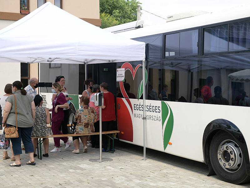 Idén 62 településre jutnak el az NNK szűrőbuszai - Milyen szűrővizsgálatokra számíthatsz?